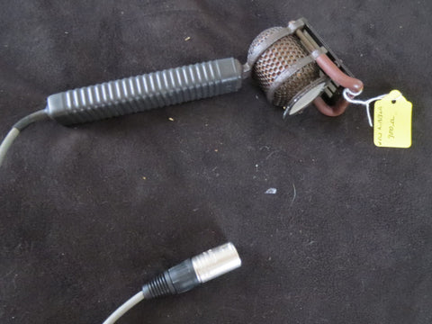 STC/COLES 4104 NOISE CANCELLING COMMENTATORS 'LIP' RIBBON MICROPHONE W/XLR CABLE