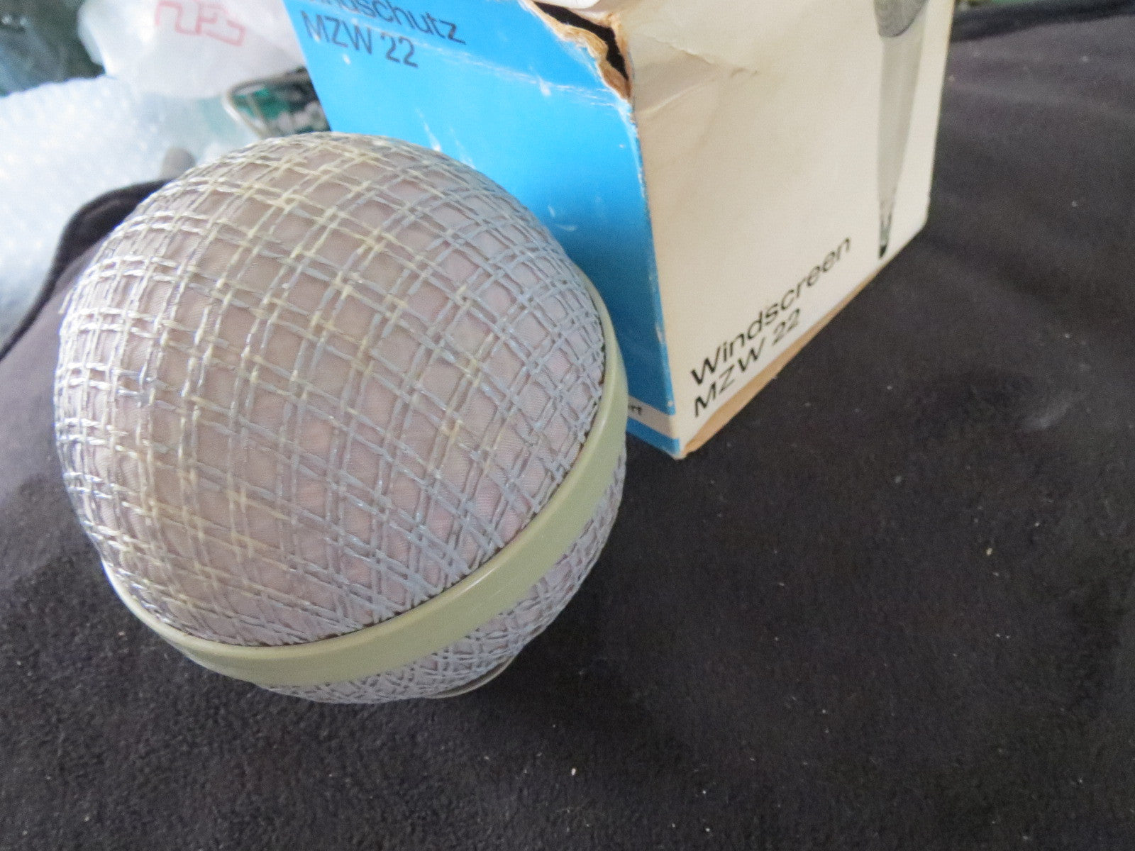 SENNHEISER MZW22 WINDSCREEN SPECIALLY MADE TO FIT MD421 AND MD21 MICROPHONES