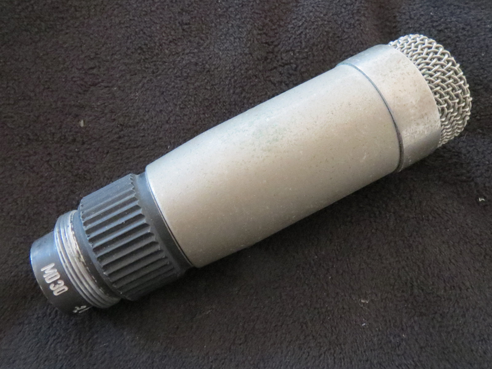 VINTAGE EAST GERMAN FUNKBERATER PGH BERLIN MD30 OMNIDIRECTIONAL DYNAMIC MIC+CABL