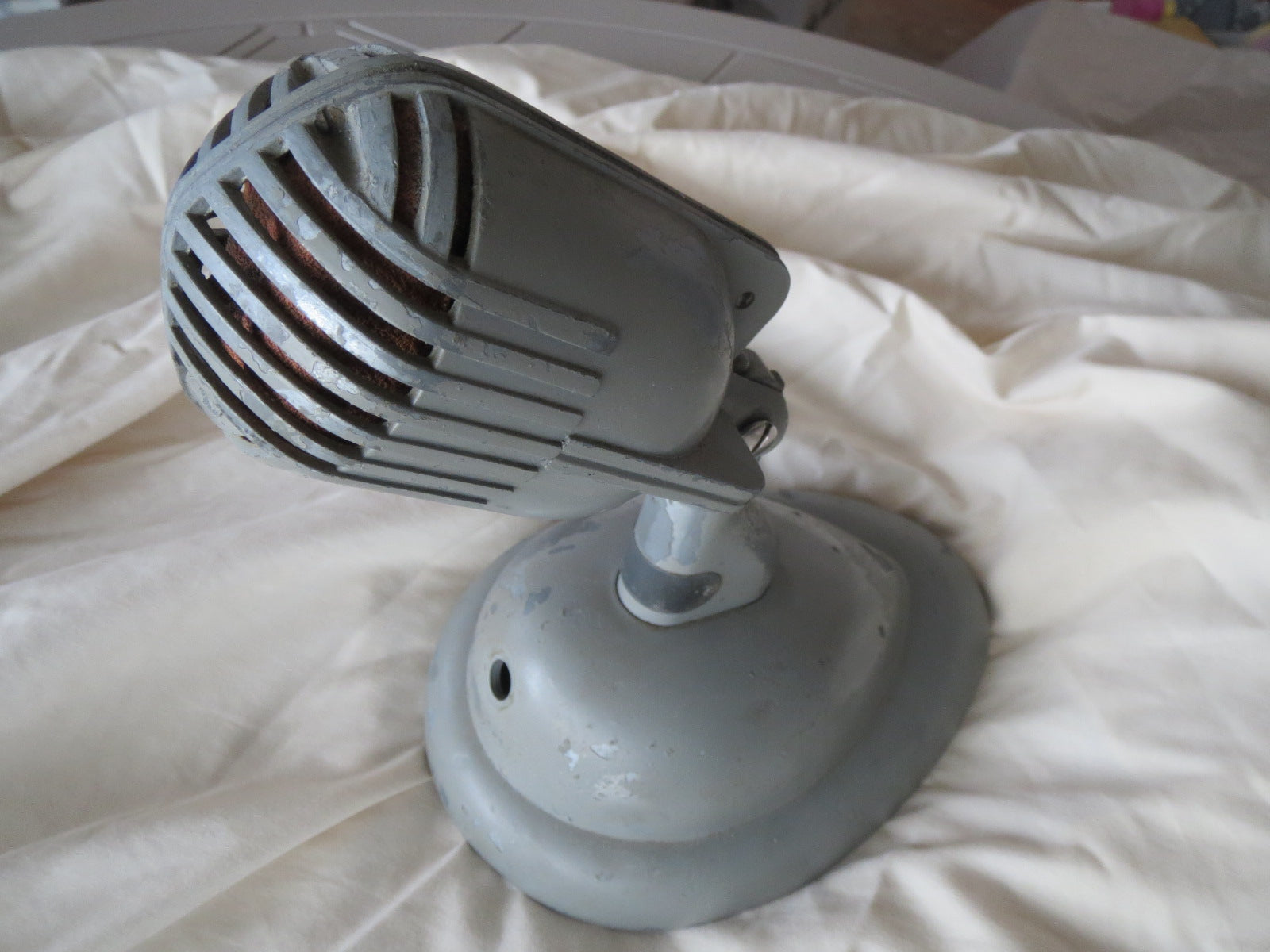 SHURE 708A 'STRATOLINER' VINTAGE CARDIOID MICROPHONE WITH S36 STAND