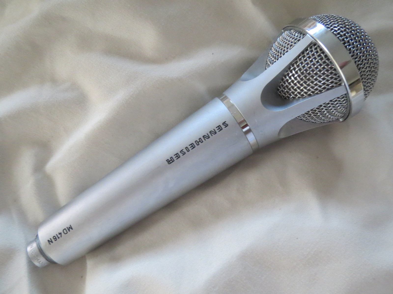 SENNHEISER MD416 VINTAGE CARDIOID DYNAMIC MICROPHONE INCLUDING XLR ADAPTER CABLE