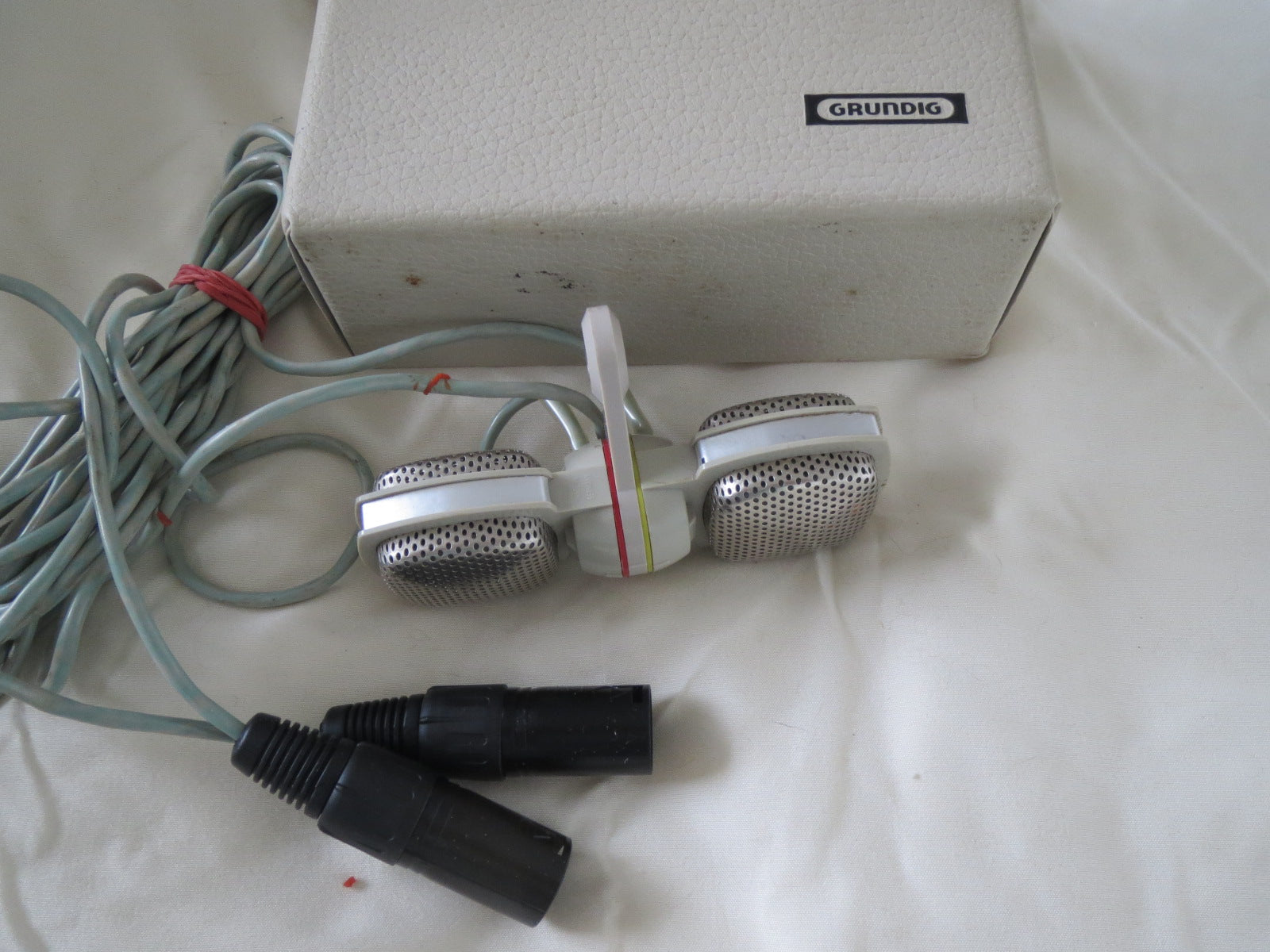 GRUNDIG GDSM202 STEREO DYNAMIC MICROPHONE SET MADE BY SENNHEISER, WITH XLR CABLE