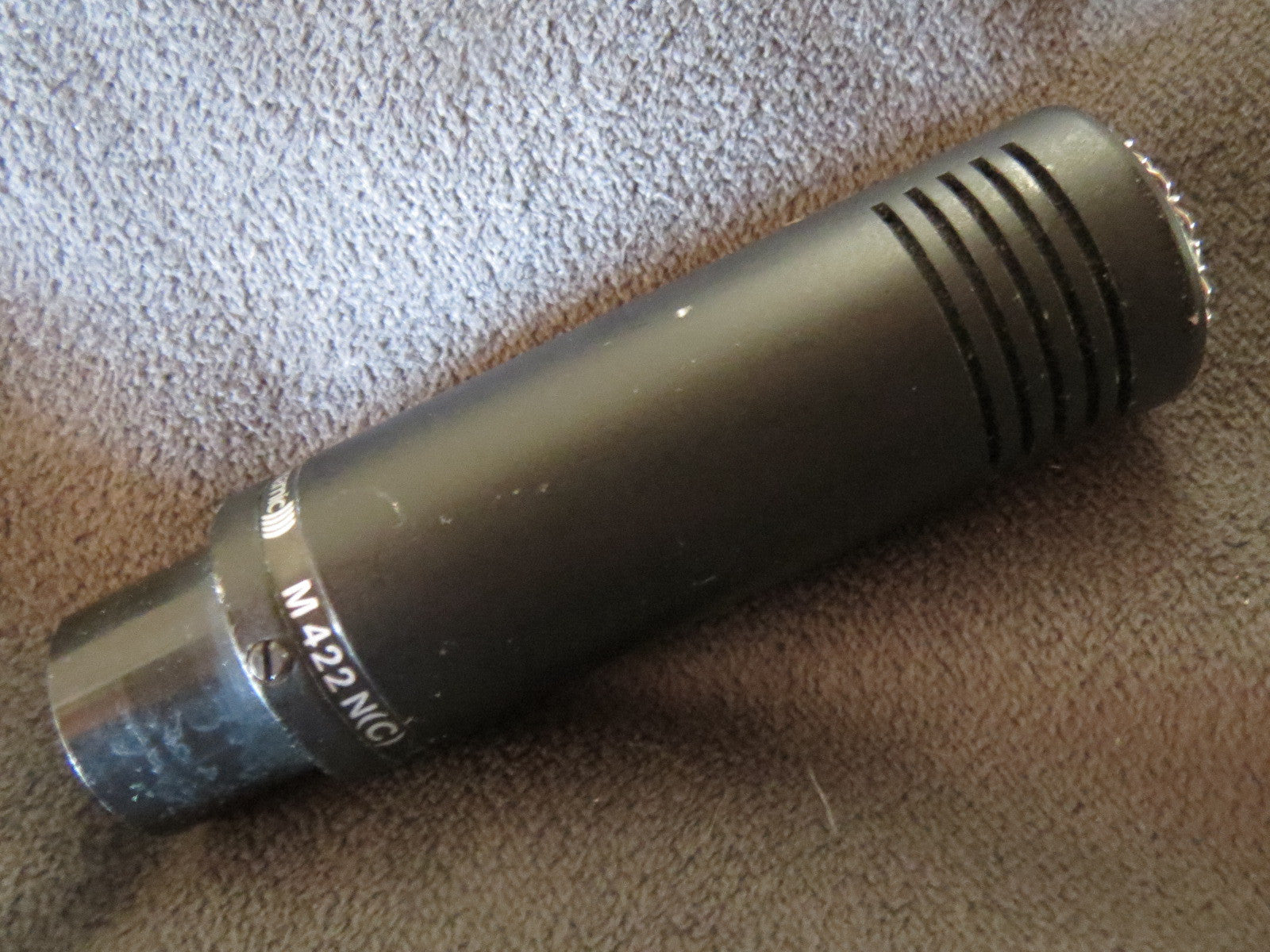 BEYERDYNAMIC M422 VINTAGE DYNAMIC HYPERCARDIOID MICROPHONE WITH XLR CONNECTOR