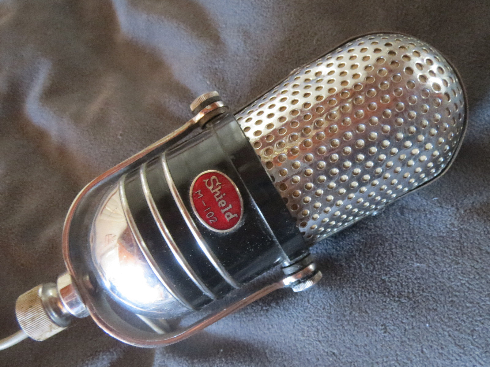 VINTAGE 1950s  SHIELD M102 ART DECO CRYSTAL MICROPHONE MADE IN JAPAN RCA 77 COPY