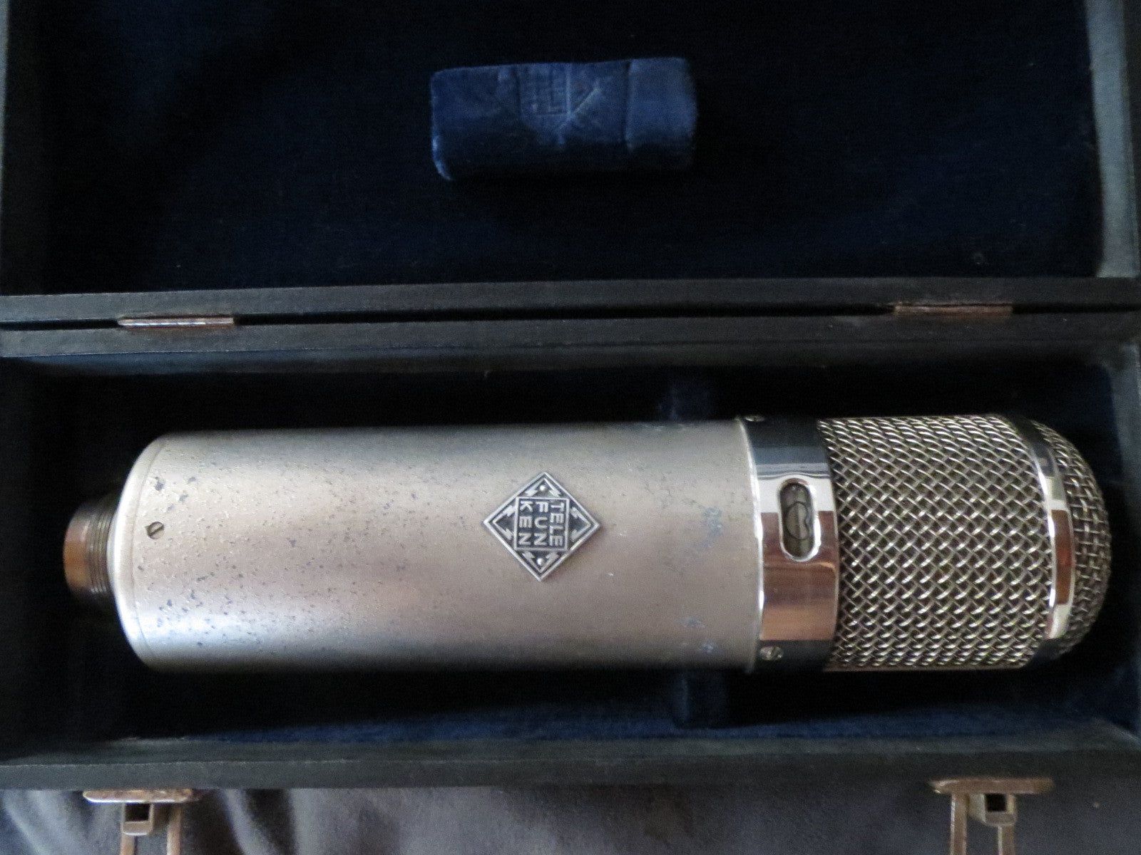 VINTAGE NEUMANN U47 LONG BODY CONDENSER MIC WITH VF14 TUBE AND ORIGINAL CASE