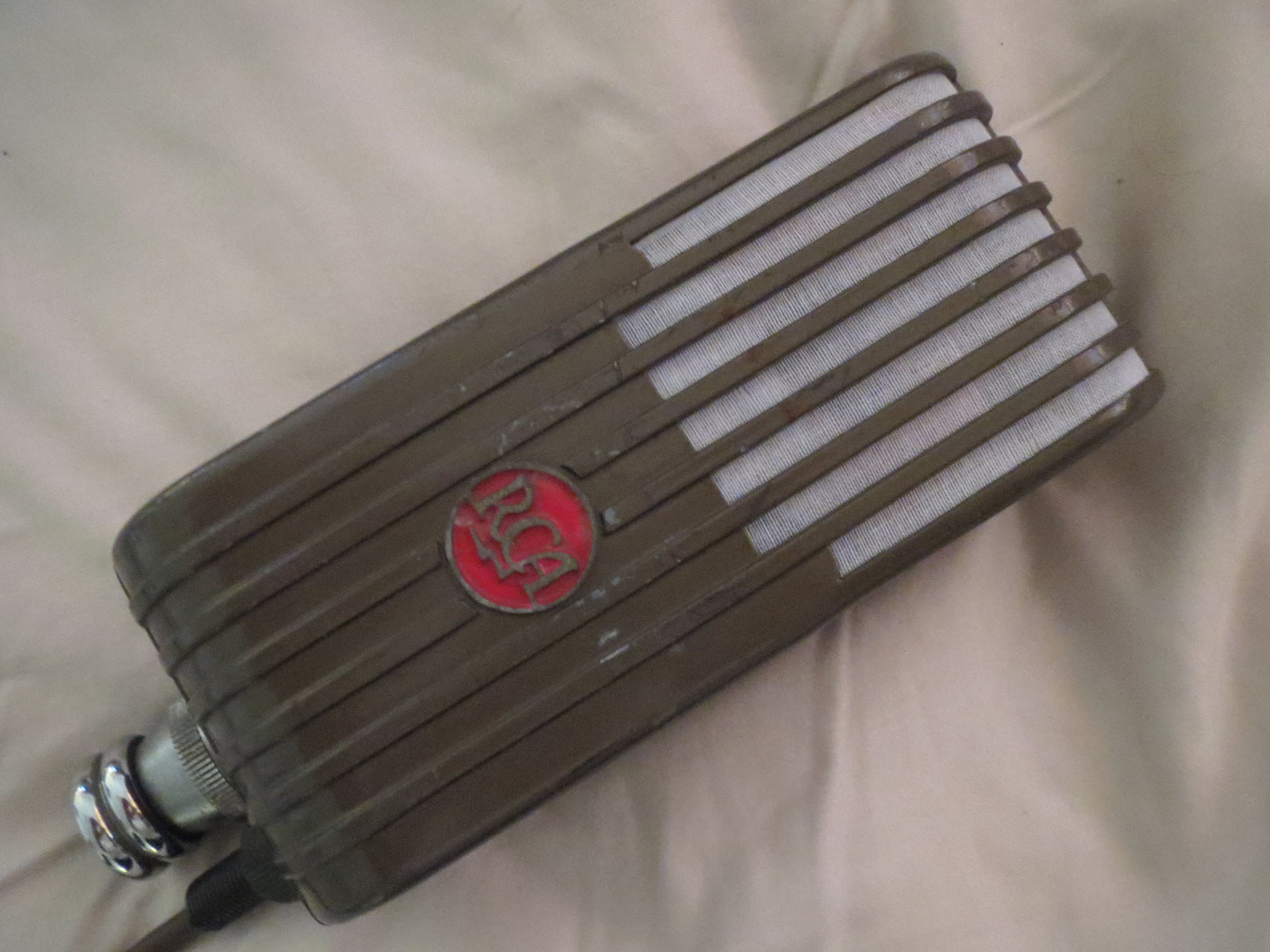 RCA MI-6203 VARACOUSTIC RIBBON MICROPHONE RESTORED BY STEPHEN SANK, W/SWIVEL MT