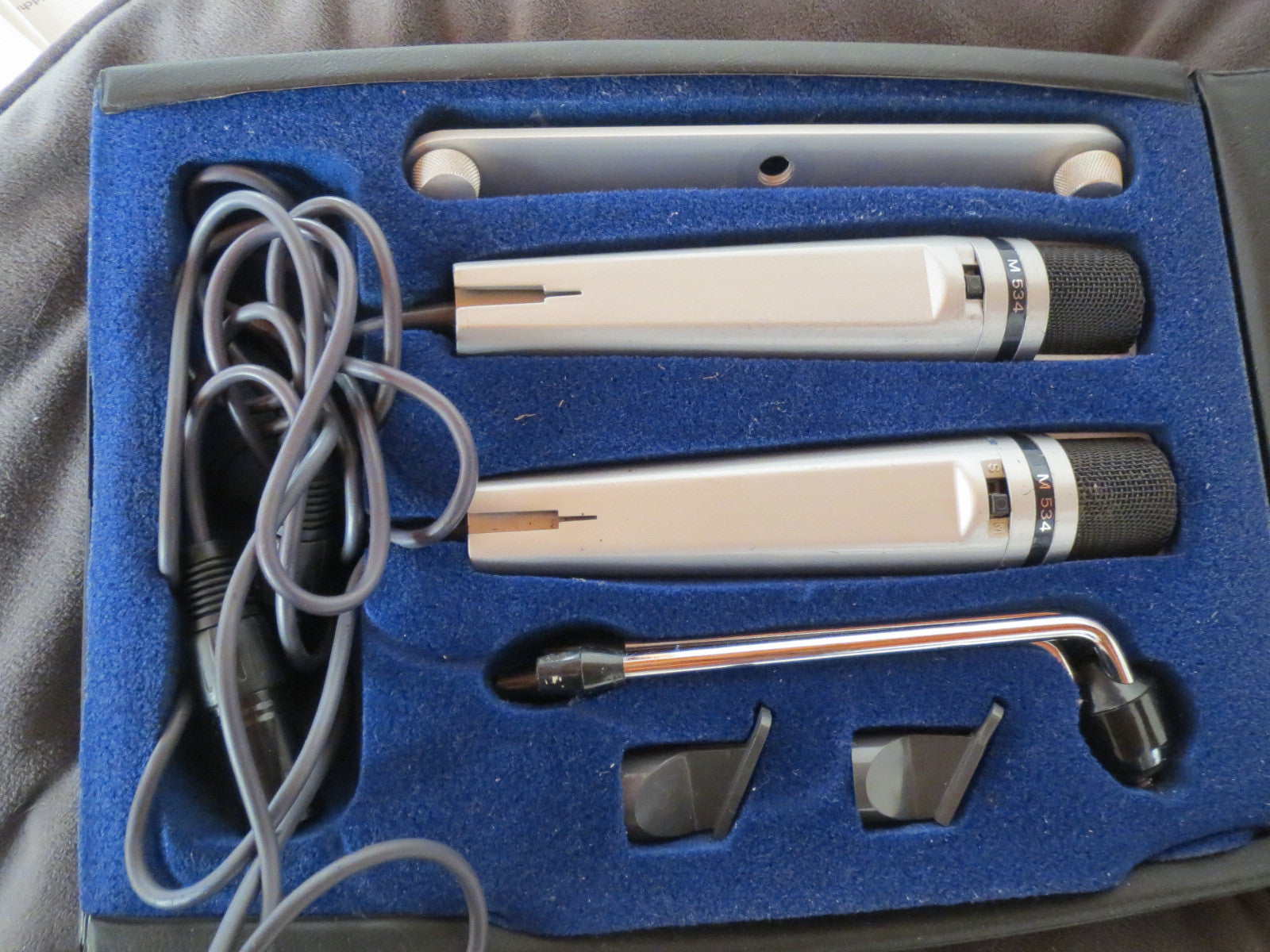 PAIR UHER M534 VINTAGE DYNAMIC CARDIOID MICROPHONES W/CASE, CLIPS AND XLR CABLES