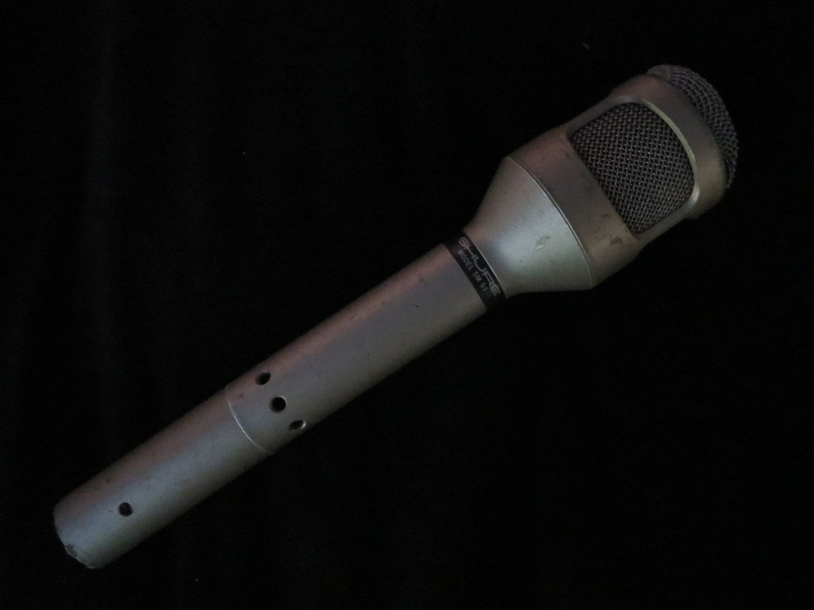 SHURE SM53 VINTAGE DYNAMIC CARDIOID MICROPHONE WITH XLR CONNECTOR, BASS ROLL-OFF