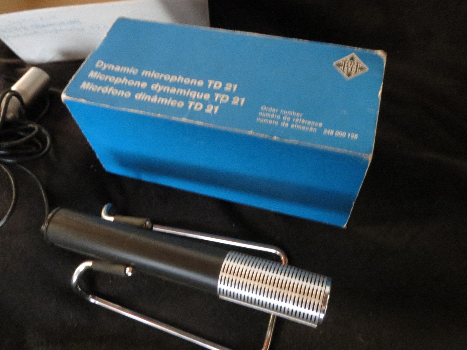 TELEFUNKEN TD21 RARE VINTAGE DYNAMIC CARDIOID MICROPHONE, INCLUDING XLR CABLE