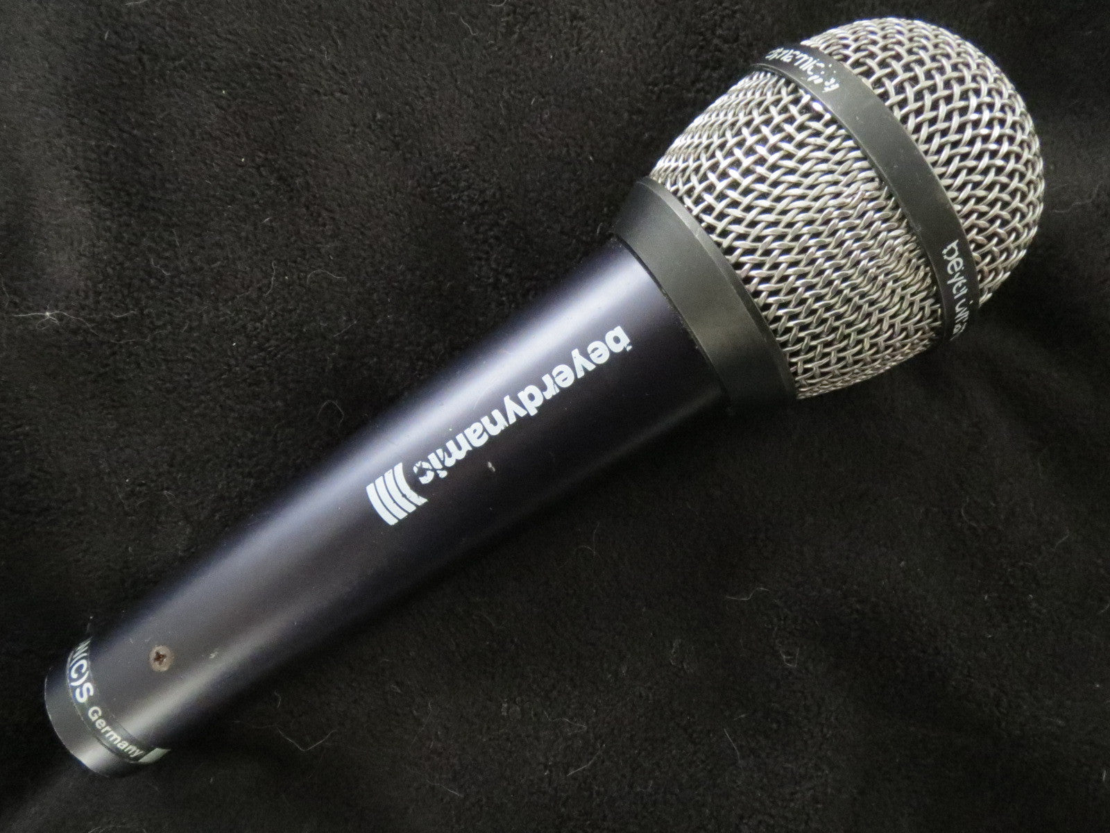 BEYER BEYERDYNAMIC M700 VINTAGE DYNAMIC CARDIOID MICROPHONE WITH XLR CONNECTOR