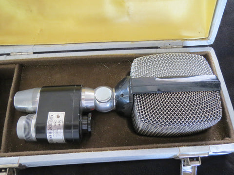 AKG D20 RARE VINTAGE DYNAMIC MICROPHONE INCLUDING XLR CABLE, SAME CAPSUL