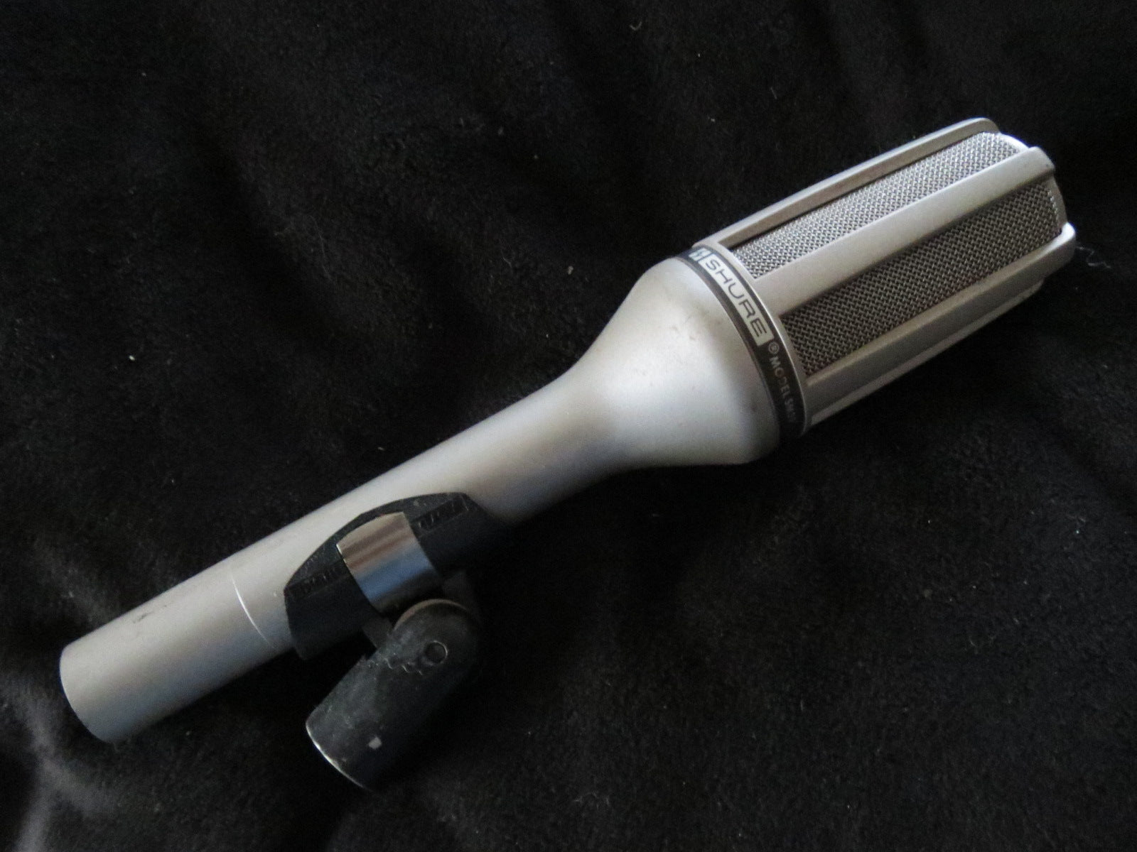 SHURE SM59 VINTAGE DYNAMIC CARDIOID MICROPHONE WITH XLR CONNECTOR