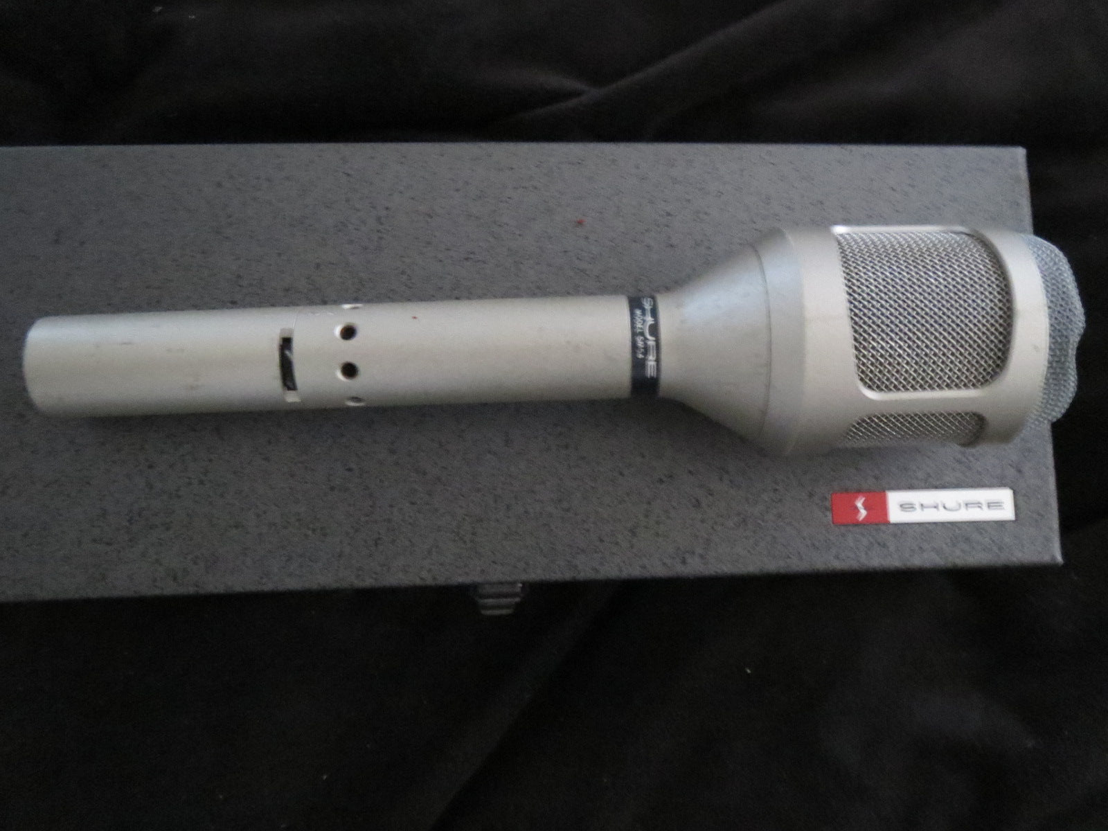 SHURE SM54 VINTAGE DYNAMIC CARDIOID MICROPHONE WITH XLR CONNECTOR, BASS ROLL-OFF