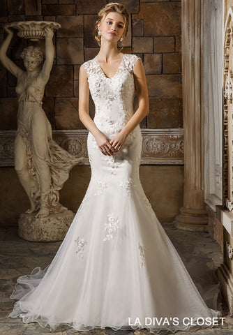 V- Neckline Beading - Crystal Wedding Dress, Delivery In About 22 Days.