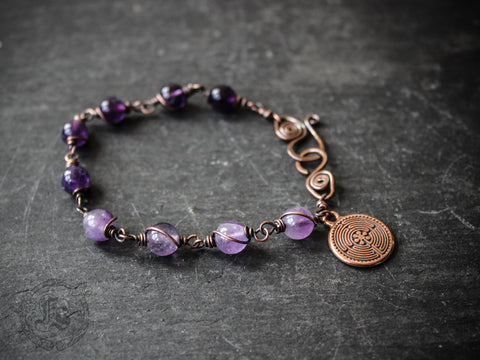 Labyrinth Bracelet with Amethyst in a Custom Length.