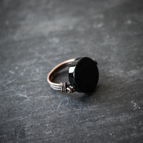 Doctor Dee's Scrying Mirror Ring. Unisex Onyx Ring of Hand Forged Copper in Your Size.