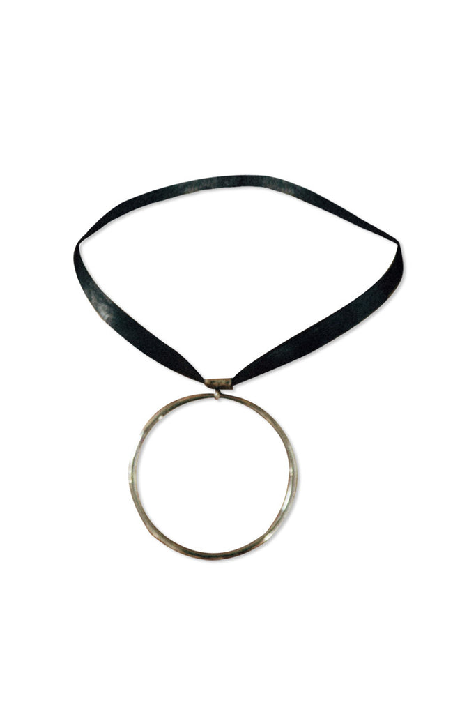 CIRCLE ROUND CHOKER NECKLACE - Shakuhachi