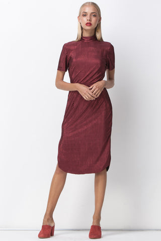 BERRY METALLIC PLEATS TURTLENECK DRESS - RED