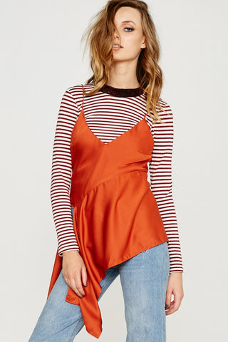 SATIN DRAPE HEM TOP - ORANGE