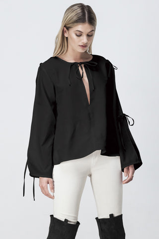 ALL TIED UP FLARE TOP BLACK