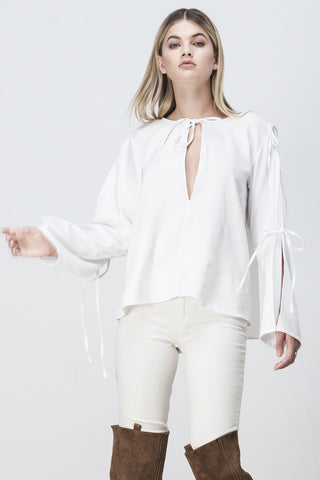 ALL TIED UP FLARE TOP WHITE