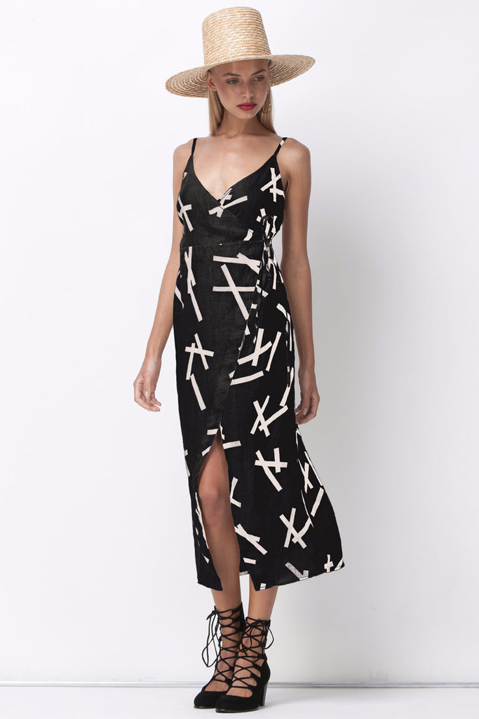 PICK UP STIX WRAP DRESS - BLACK - Shakuhachi