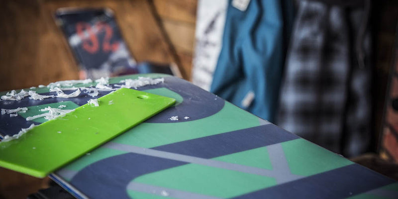 How to Wax Your Snowboard