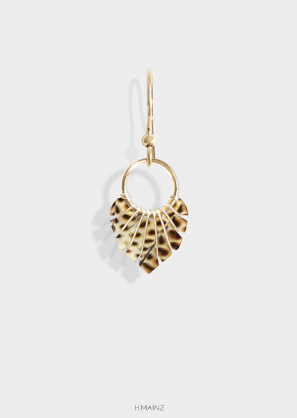 Animal print transparent earrings with gold