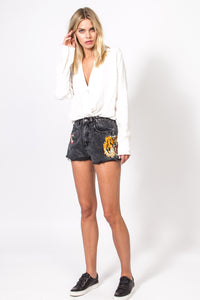 Embroidery Cut-Off Hem High Waist Denim Shorts