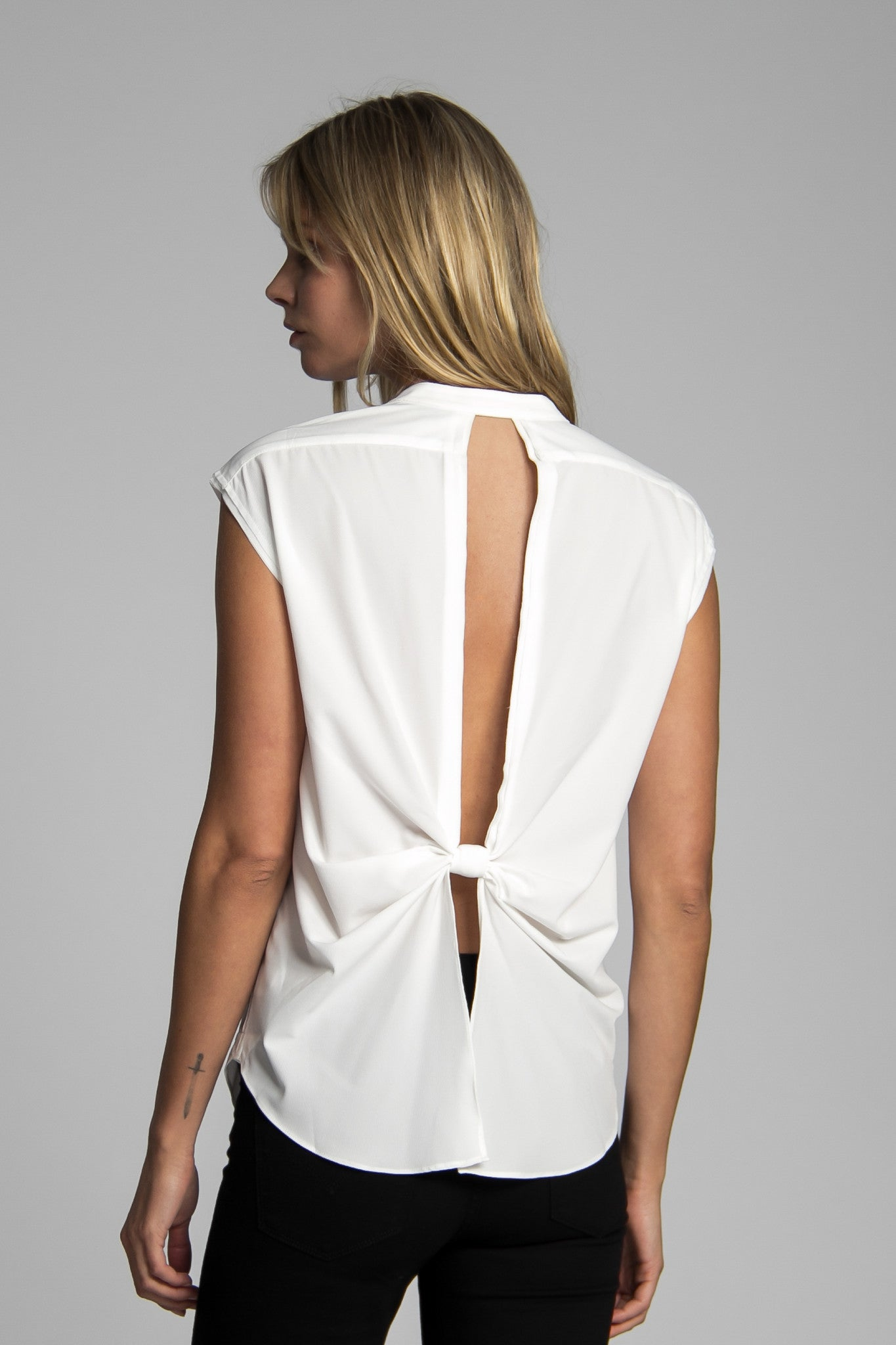 Benson Sleeveless Shirt