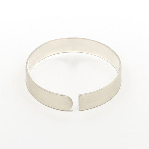 Split Tangent Slender Bangle
