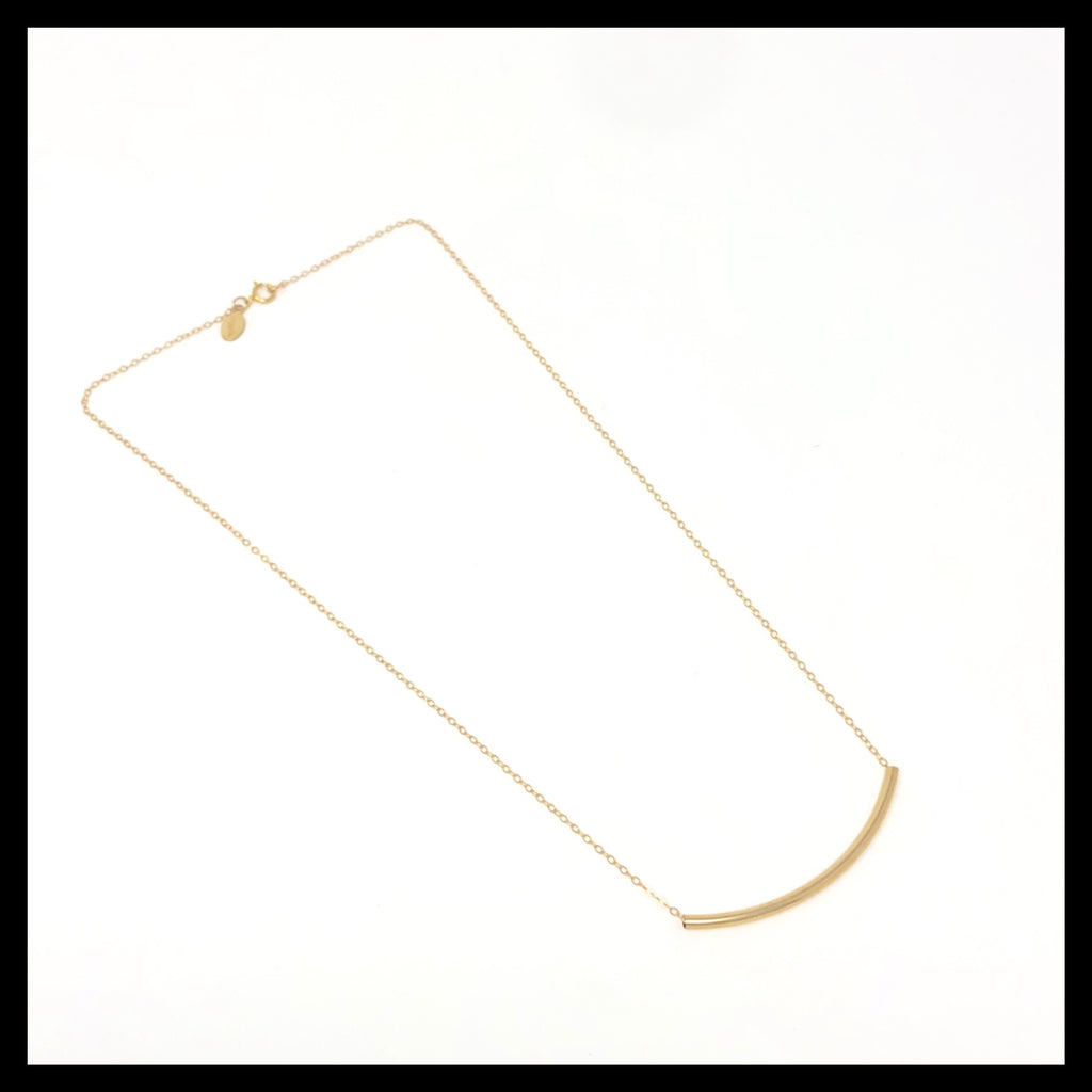 medium curved tube necklace