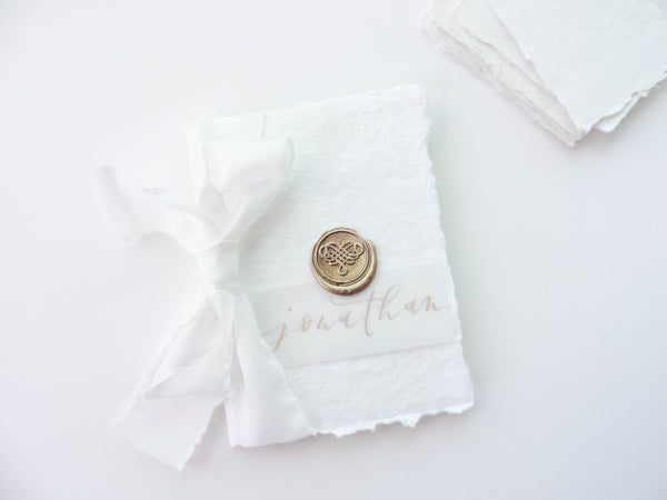 how to use wax seals on your wedding