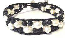 Woven Beaded Bracelet on Leather:Fresh Water Pearl and Onyx (BWL73XW)