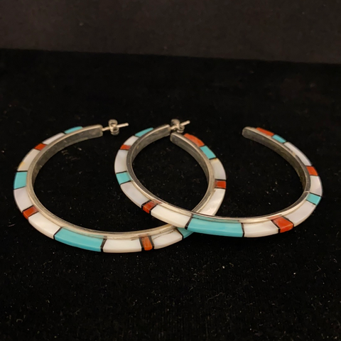 Striped hoop earrings