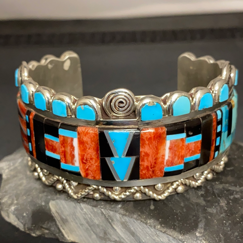 Multicolored inlay bracelet