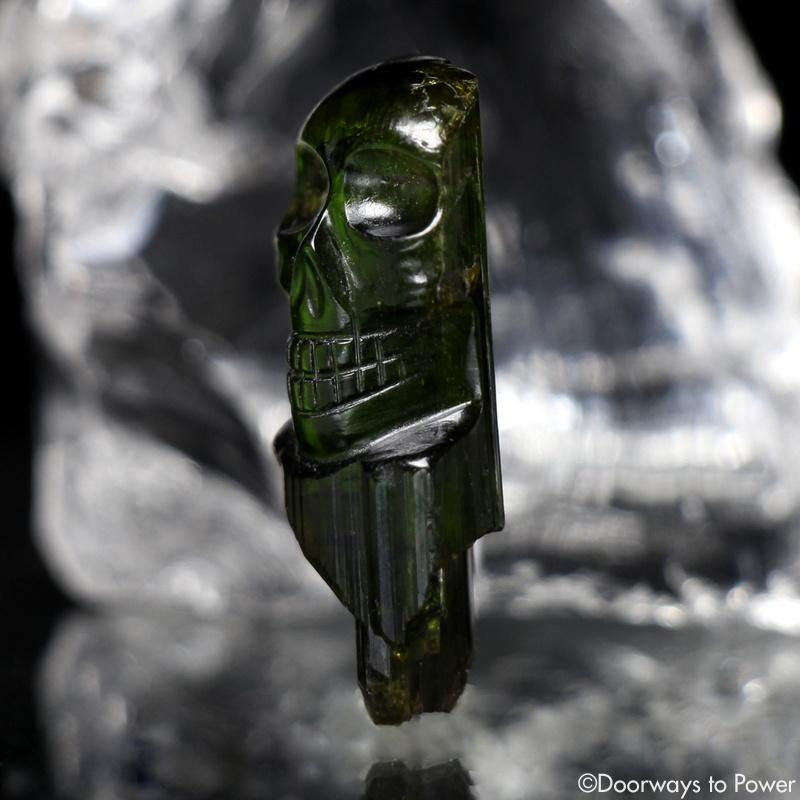 Leandro De Souza Emerald Hand Carved Crystal Skull Meditation Crystal