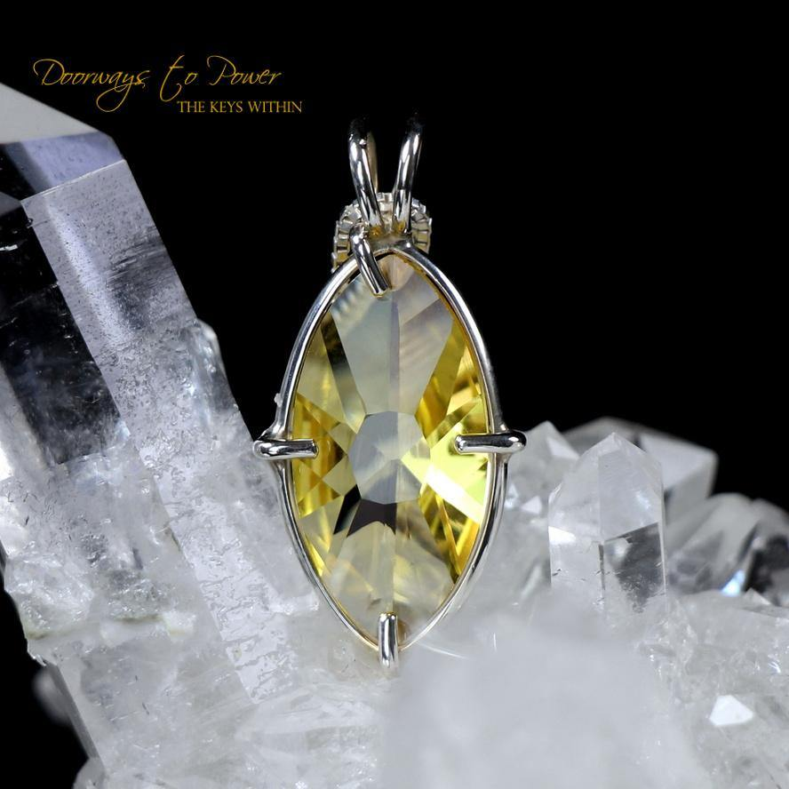 Siberian Gold Quartz Infinite Eye Crystal Pendant