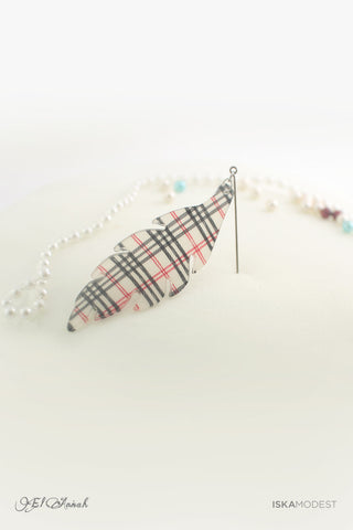 Dangling Hijab Pin - White Burberry