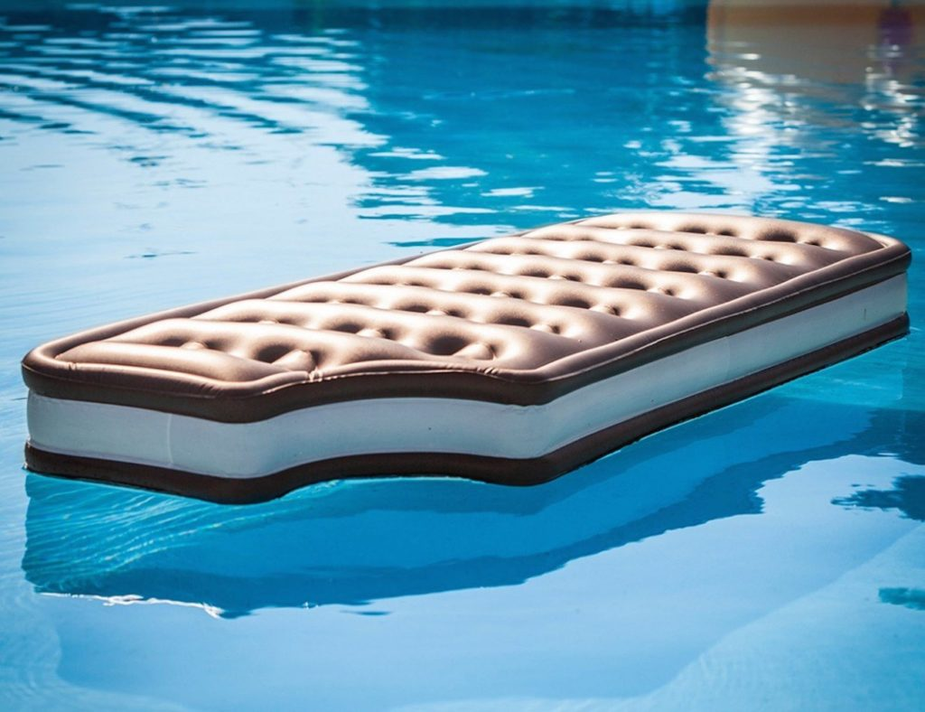 ice cream pool float