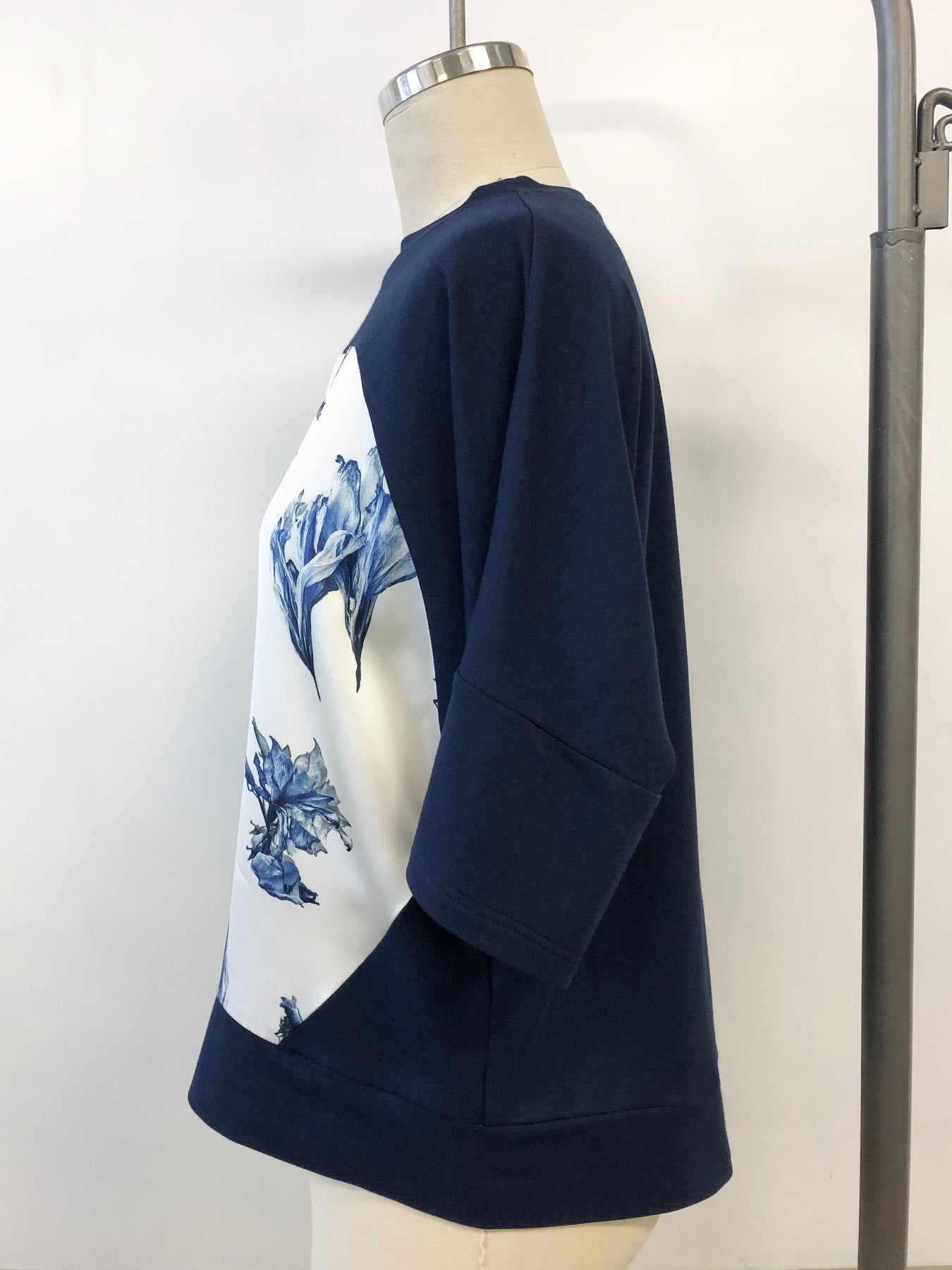 Short Sleeve Silk Sweatshirt French Navy Amaryllis