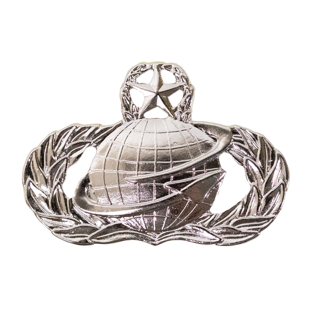 Air Force Badge: Manpower: Master - midsize
