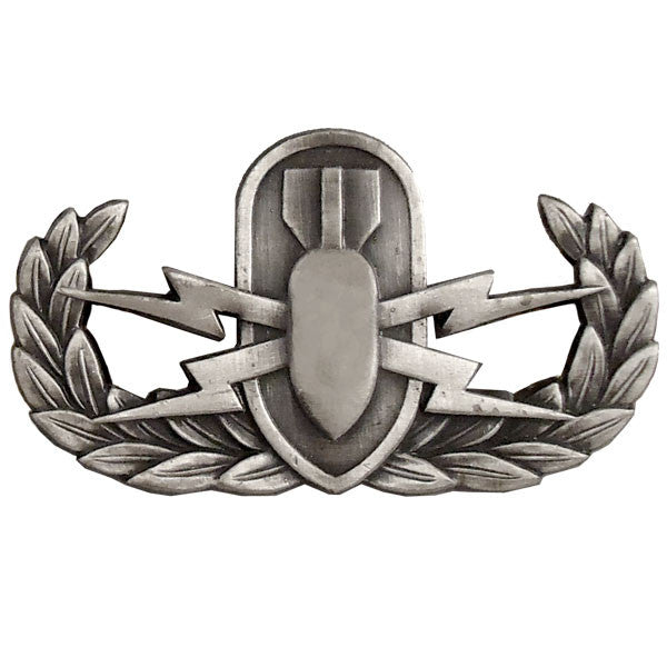 Badge: Explosive Ordnance Disposal - regulation, oxidized