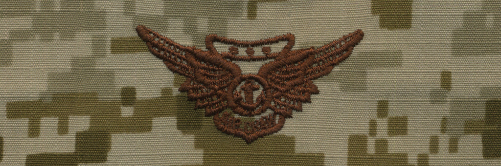 Navy Embroidered Badge: Combat Aircrew - Desert Digital