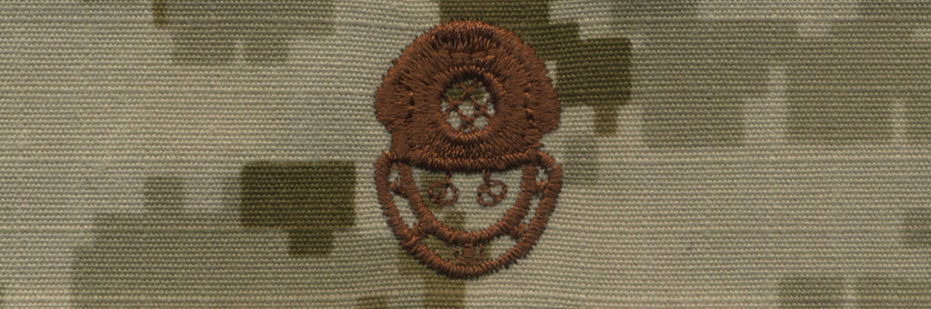 Navy Embroidered Badge: Diver 2nd Class - Desert Digital