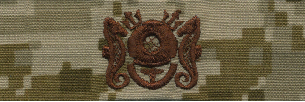 Navy Embroidered Badge: Diving Medical Technician - Desert Digital