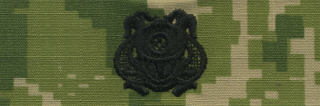 Navy Embroidered Badge: Diver 1st Class - Woodland Digital
