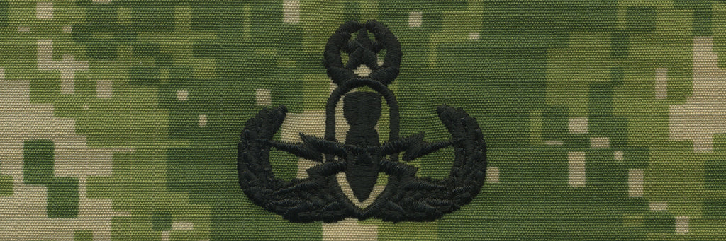Navy Embroidered Badge: Master E.O.D. - Woodland Digital