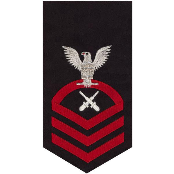 Navy E7 Rating Badge: Gunner's Mate - seaworthy red on blue