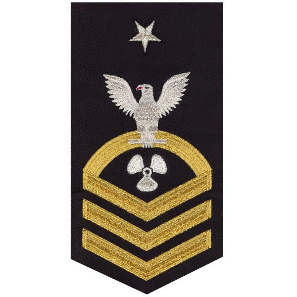 Navy E8 Rating Badge: Machinist's Mate - seaworthy gold on blue